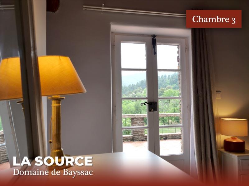 la-source-chambre-03-06-terrasse